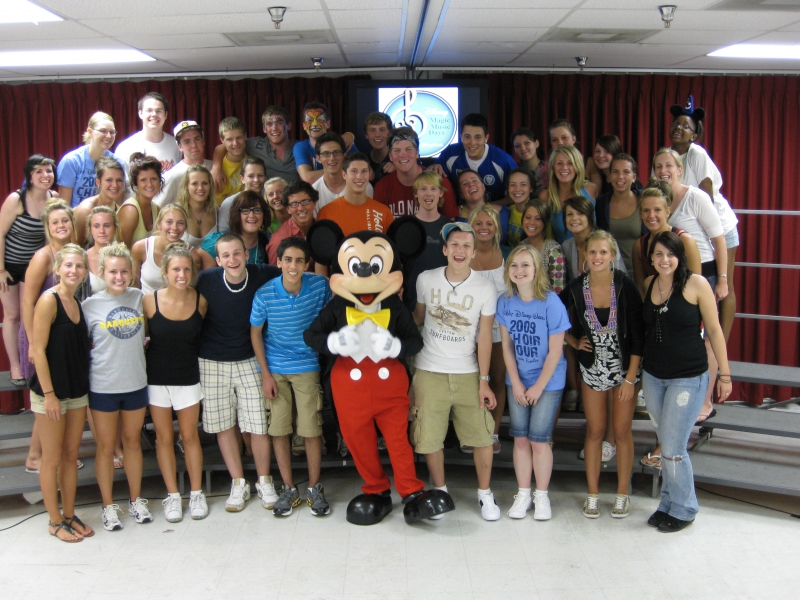 Disney - Workshop - Maple Grove HS Choir with Mickey 2009