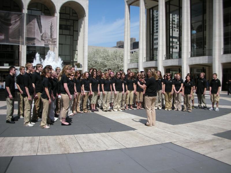 New York City - Lincoln Center - Maple Grove HS Choir 2007