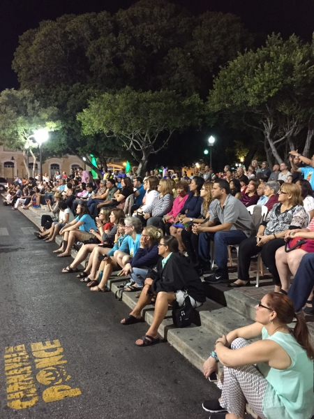 Ponce crowd 2